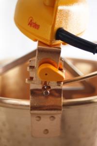 Rührschüssel aus Kupfer, elektrisch